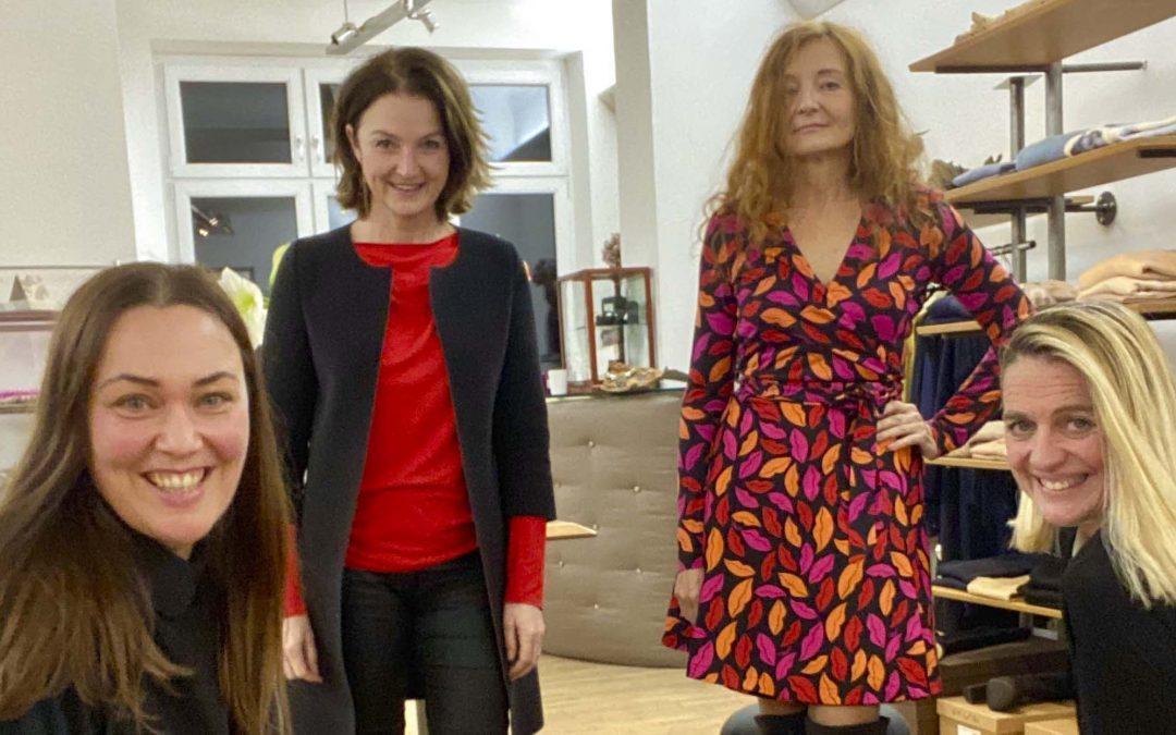 Folge 5 / 08/15, StadtKleid und Oh là là – Fashion Talk!